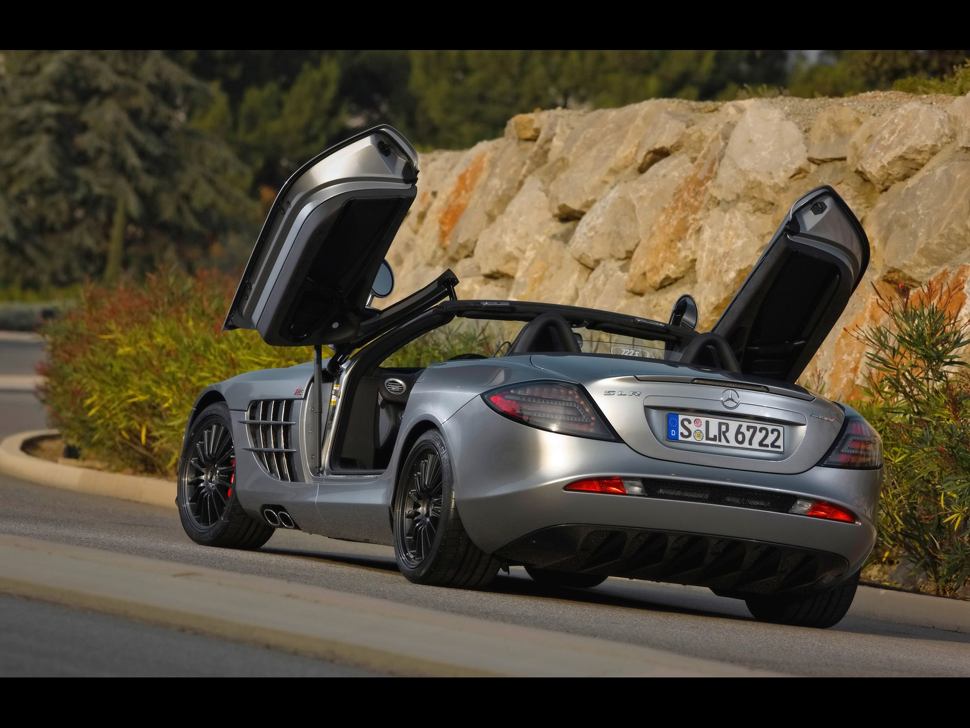 2009 Mercedes Benz SLR McLaren Roadster 722 S   Rear Angle Topless Open  Doors   1920x1440   Wallpaper