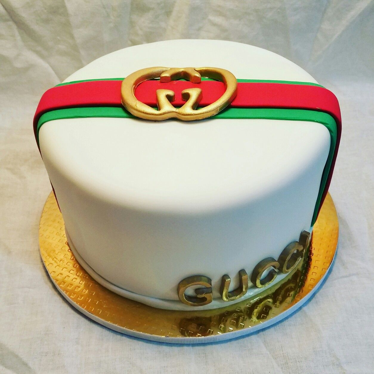 Gucci Cake Designs: Sisco's Sweets Cakes
