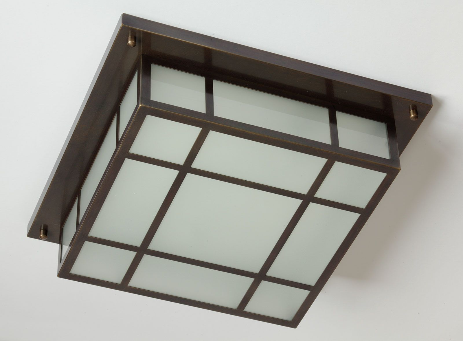 Quadratische Vergitterte Kassetten Deckenleuchte 40 Cm Von Munchener Laternen Quadratische Kasten Deckenleuchte In 2020 Deckenleuchten Glasscheiben Beleuchtung Decke