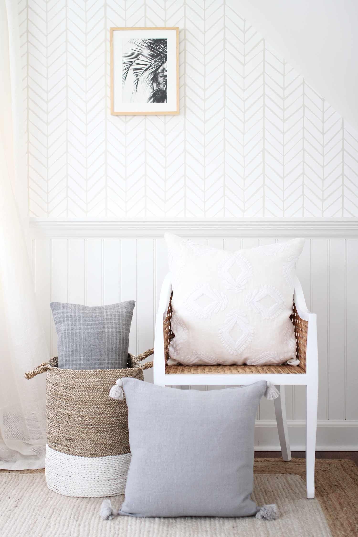 Feather Wallpaper Feather wallpaper, Home decor, Pillows