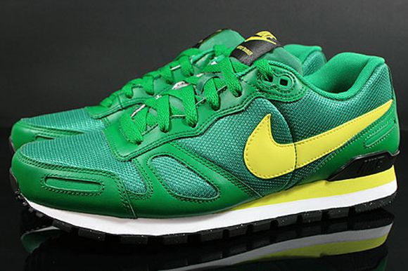 Nike Air Waffle Trainer Pine Green