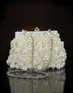 Pearl Clutch.  I want to try and make one like this for a wedding in November !    Pearl bag and black dress .