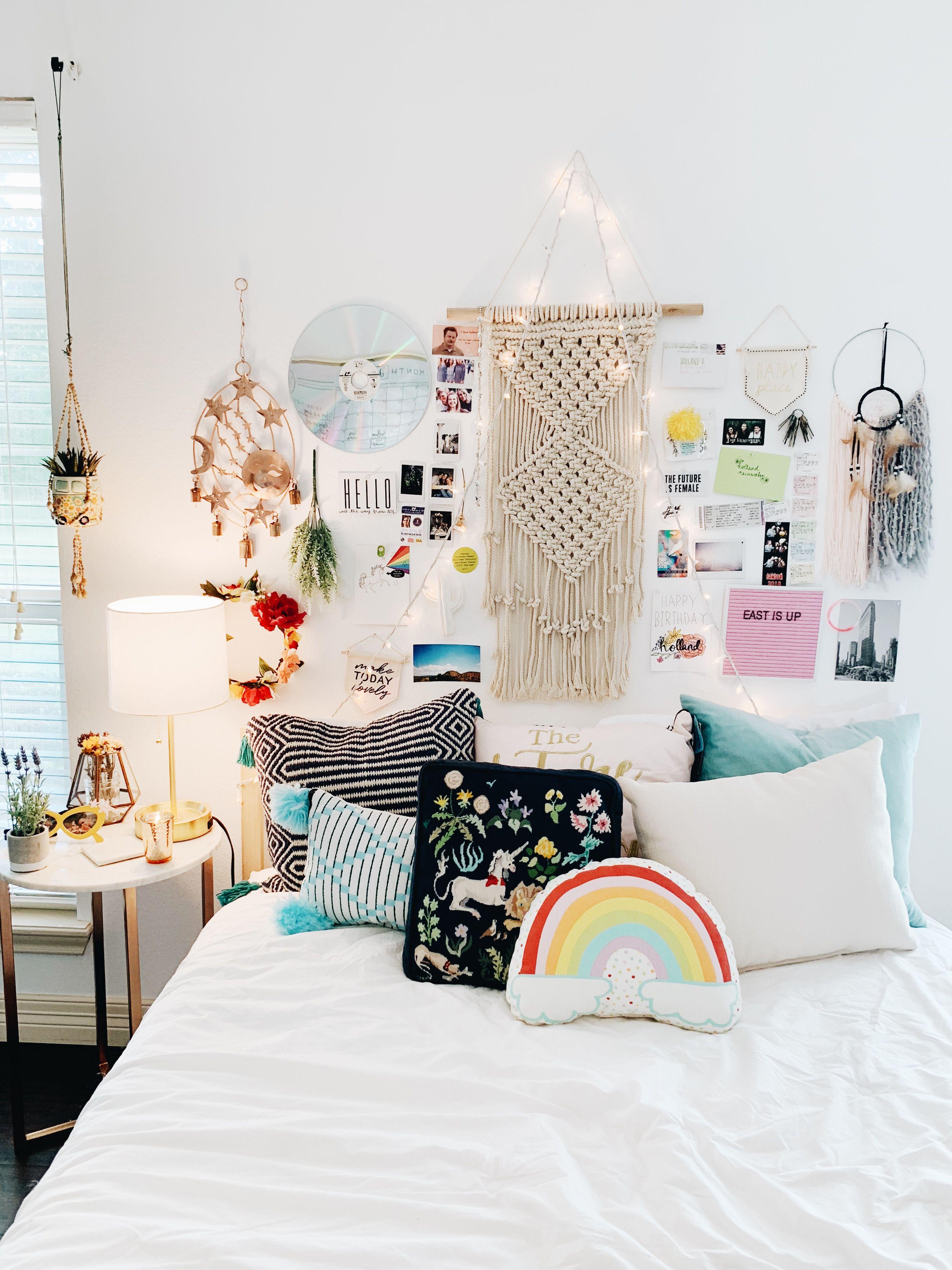 Dorm Themes Cozy Bed Pretty Room Goals Bedroom Inspo
