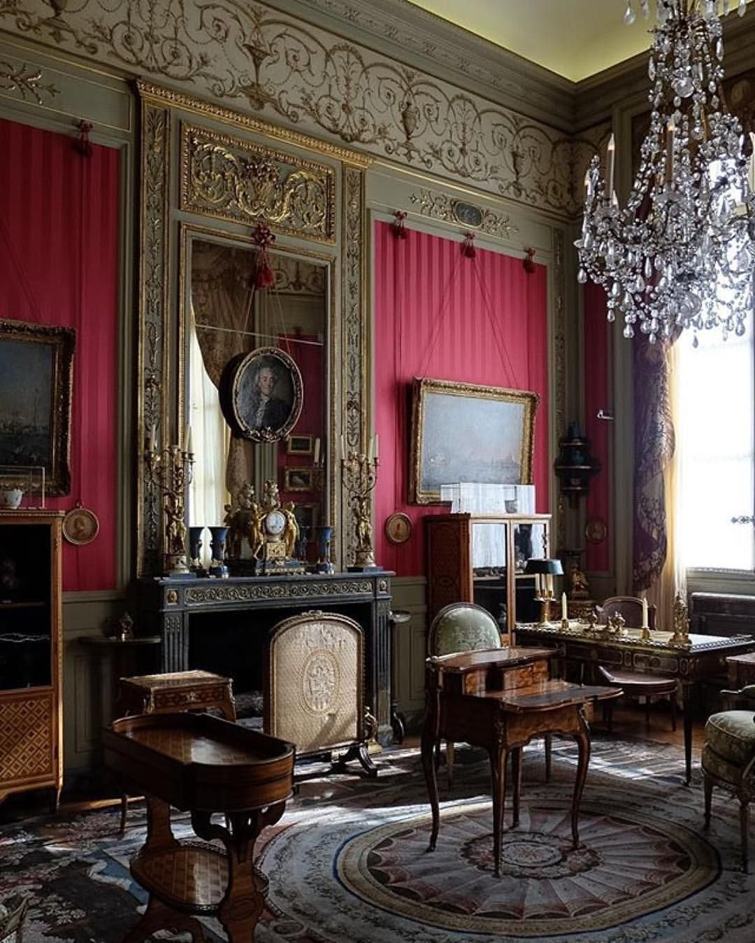 Paris museum - My French Dollhouse - Idea\'s & Inspiration   Pinterest