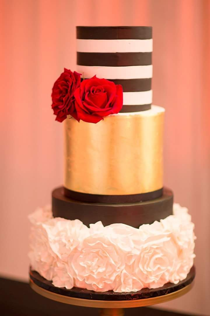 Go Classic With A Cake Like This Beauty By Jessica Wilson Of Take Bite Bahamas