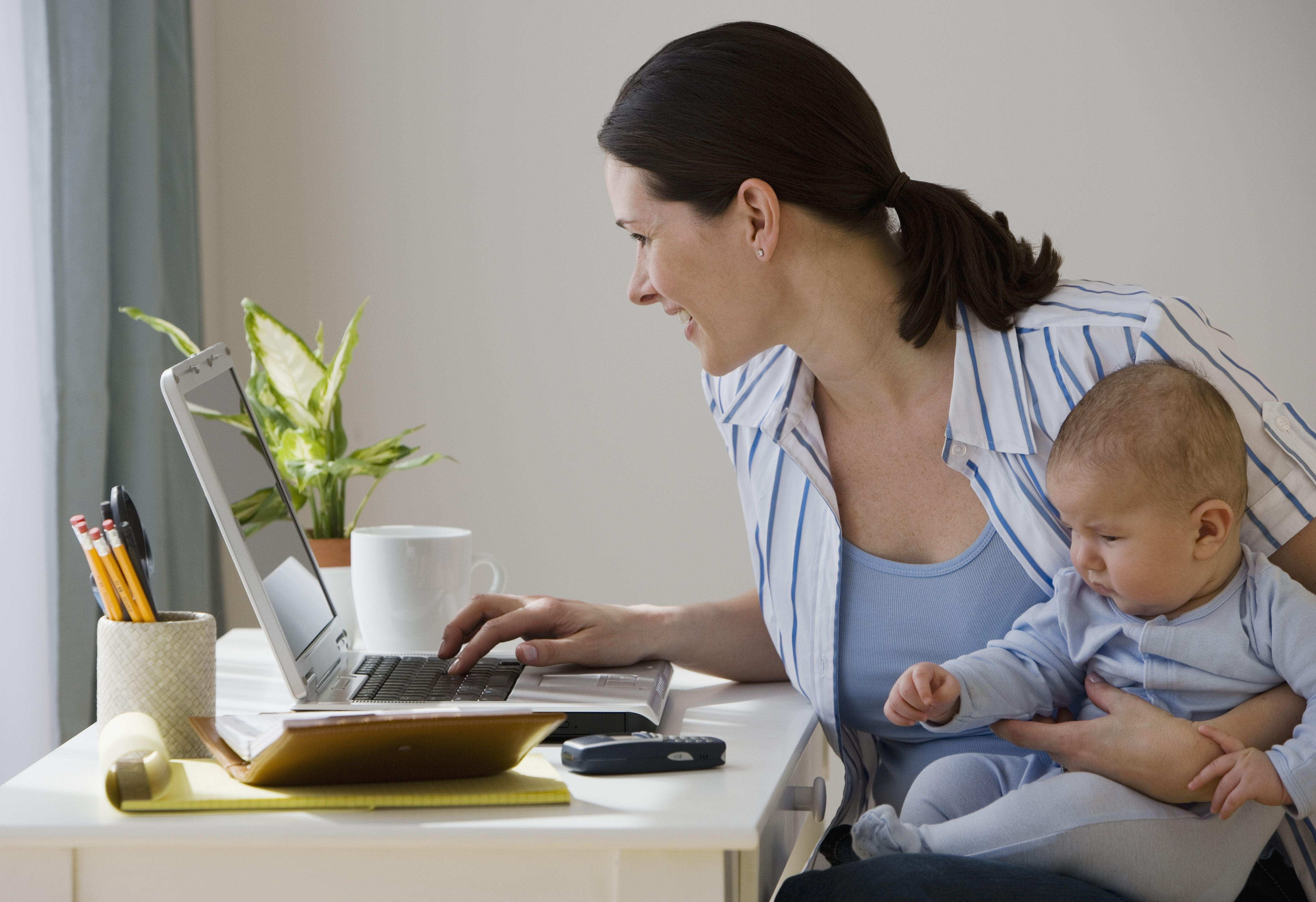 7 Ways Even Busy Moms Can Find Time to Blog | #blogging #momslife ...