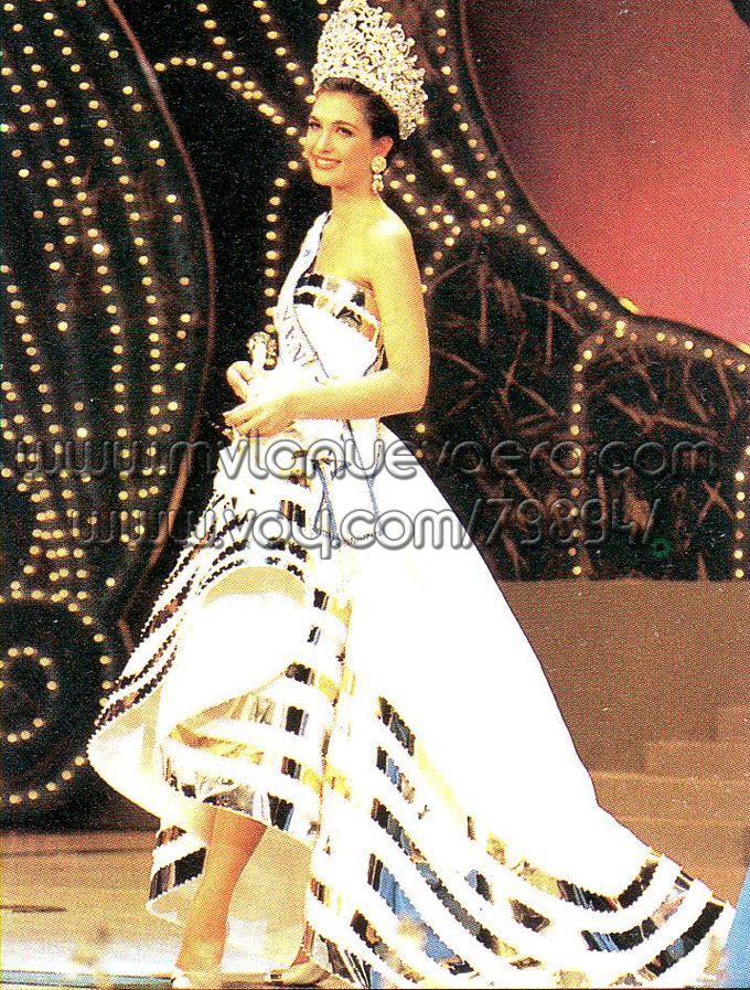 Carolina Izsac, Miss Venezuela 1991. Evening gown by Guy Meliet ...