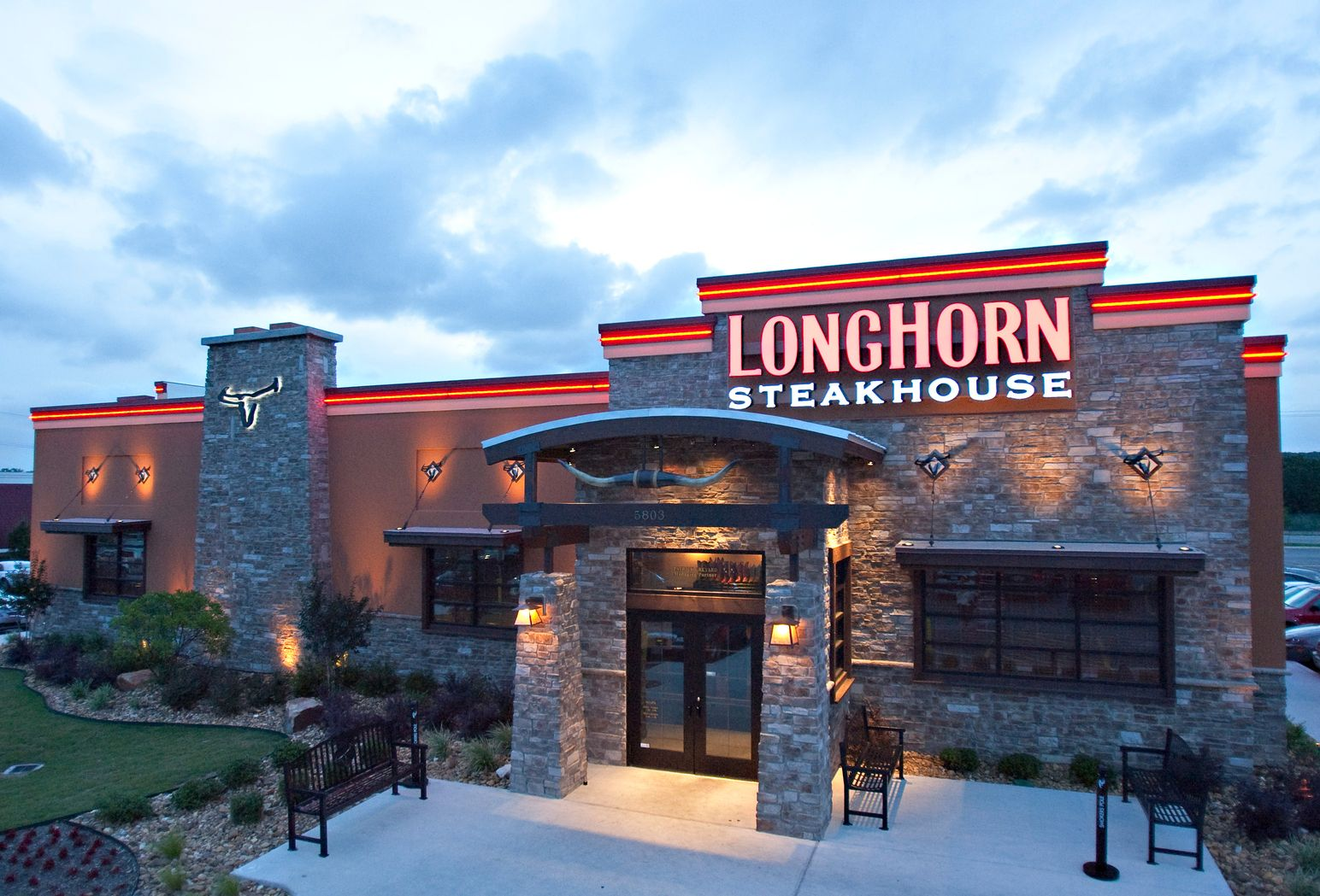 Longhorn Steakhouse Stampedes Into Utah