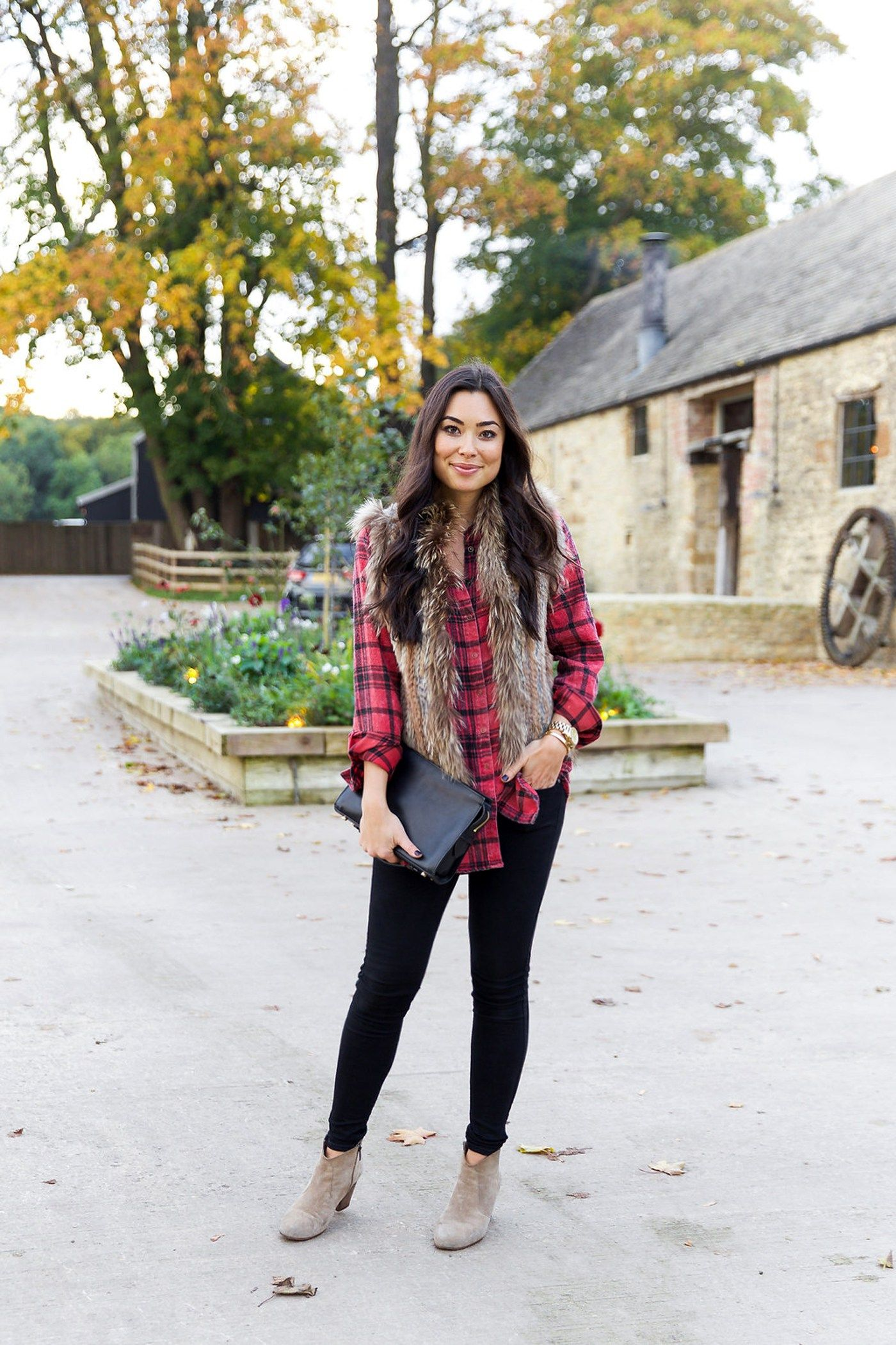b7adbd0680331 With Love From Kat    Weekends in the Country. Red and black plaid long  shirt+black skinny denim+pale brown ankle boots+brown fur vest+black clutch.