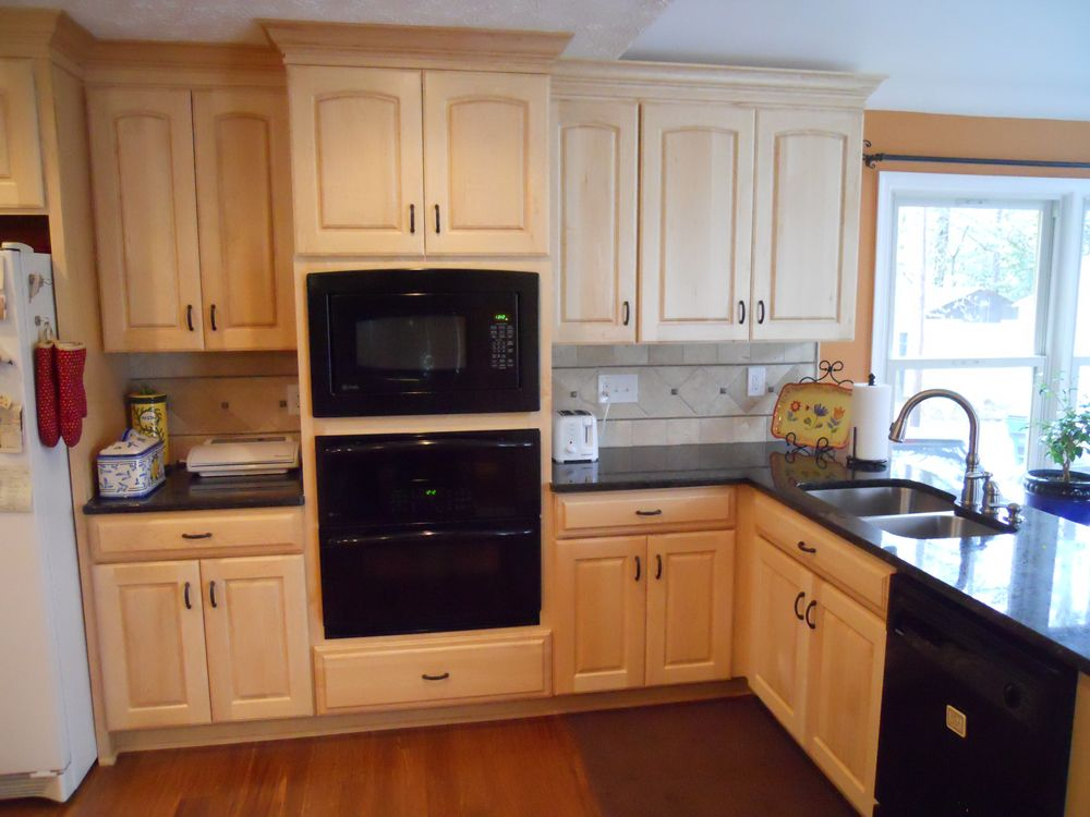 Maple Counter tops for Kitchen Concepts in 2020 | Best ... on Light Maple Cabinets With Black Countertops  id=20503