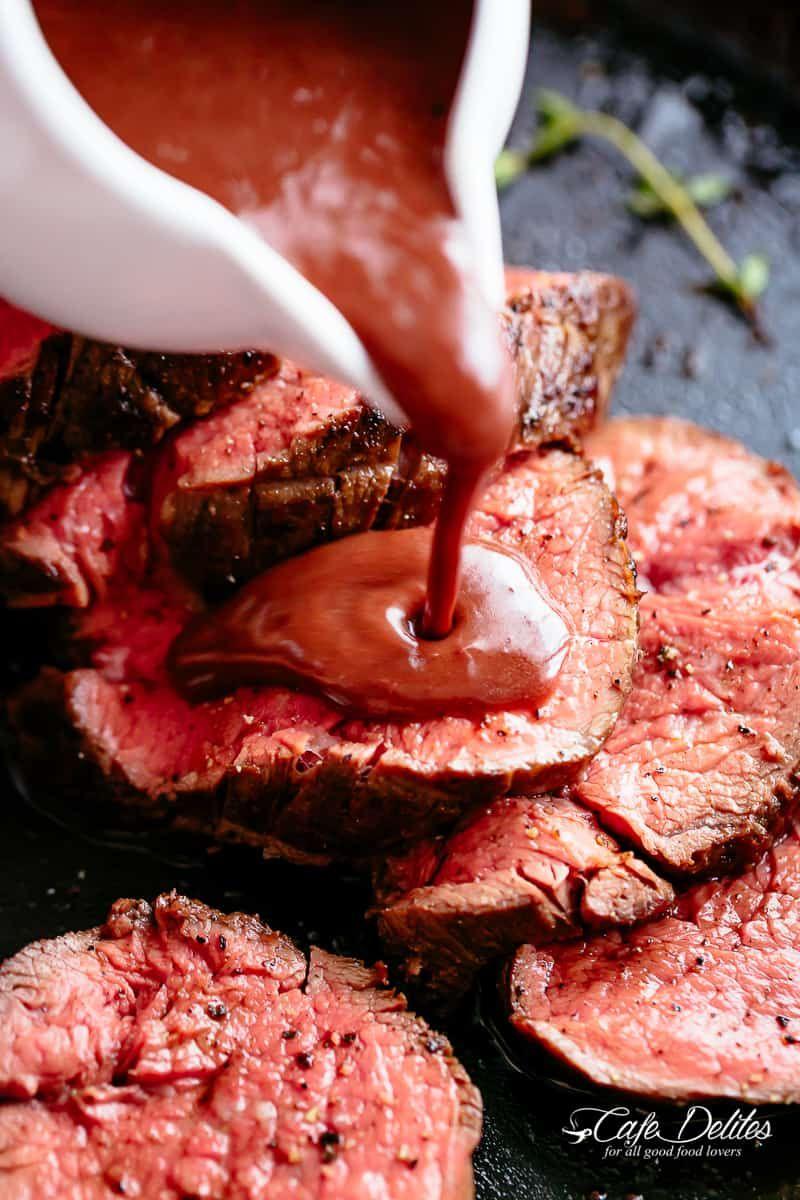 Beef Tenderloin Served With A Red Wine Sauce Or Jus Redwine Jus Sauce Beef Tenderloin Comida Filete Recetas