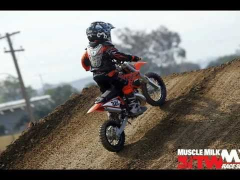 4 Year Old Kid Riding Ktm 50 Sx Dirt Bike Youtube Kids Ride On