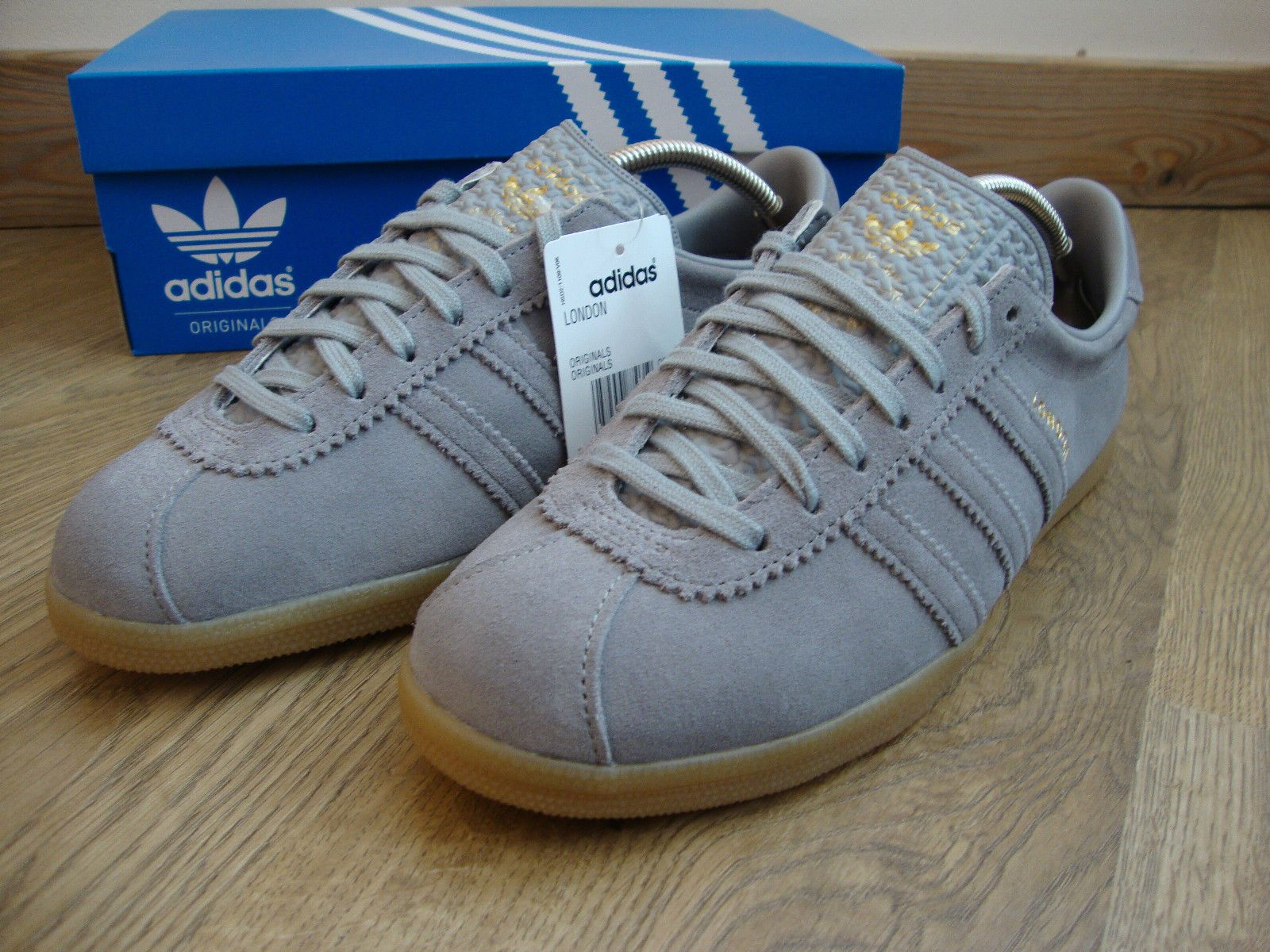 a2ddabaab5d Adidas Originals London Trainers Aluminium Grey Gum BNIB Size UK 9 EU 43 1  3