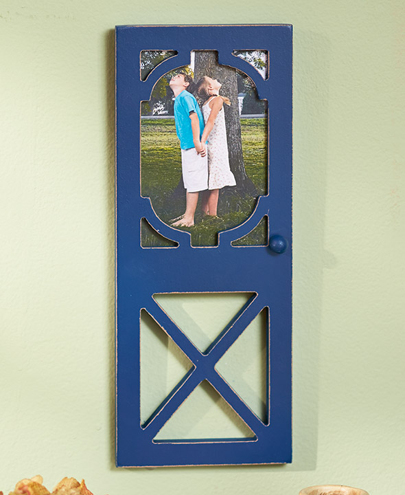 The Lakeside Collection Rustic Door Photo Frames Walmart Com In 2020 Rustic Doors Lakeside Collection Picture Hangers