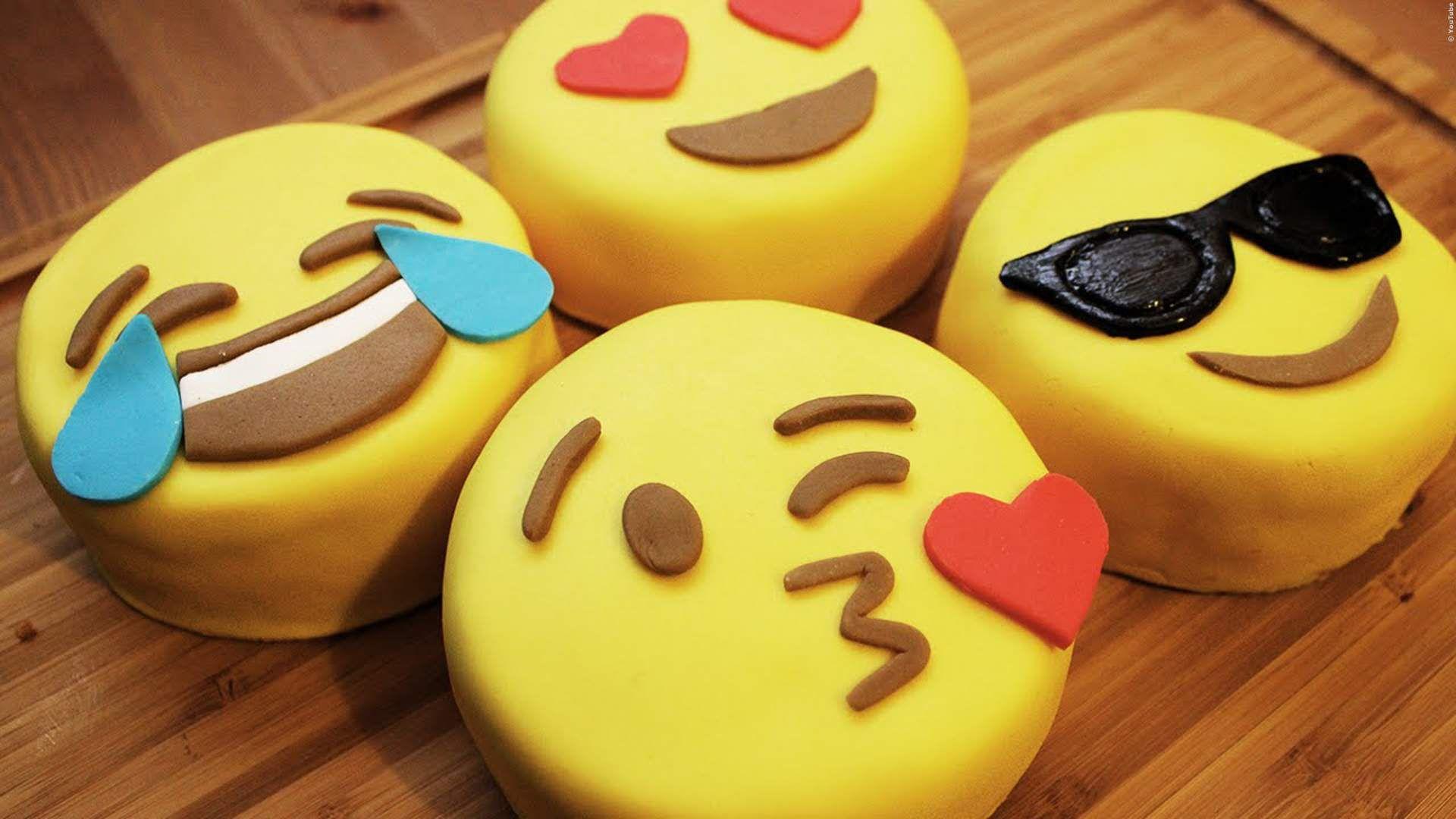 DIY-Video: Leckere Emoji-Kuchen selber backen - Das wird
