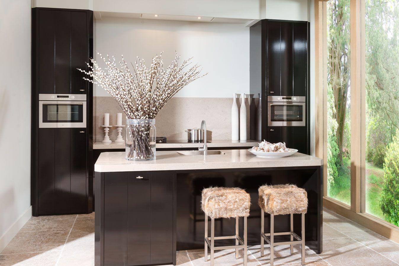Keuken Zwart Blad : Keukens badkamers sauna s en sanitair jan van sundert keuken