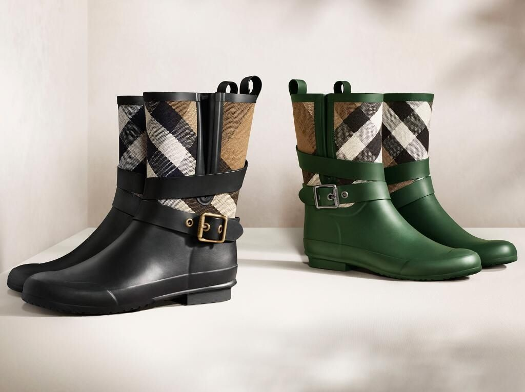 burberry belted check rain boots