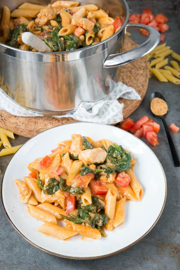 Cajun pasta met kip en spinazie - Brenda Kookt! Snel pasta recept