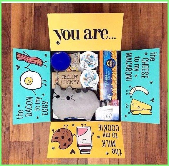 Geschenkpaket-Ideen - 32 Ideen für Pflegepakete, die jeder College-Student lieben wird-TodayWeDate.com ...   - Geschenke - #CollegeStudent #die #für #Geschenke #GeschenkpaketIdeen #Ideen #jeder #Lieben #Pflegepakete #wirdTodayWeDatecom #prettypackaging