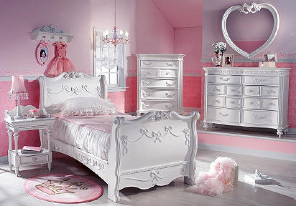 awesome Disney Princess Bedroom Set home design Pinterest