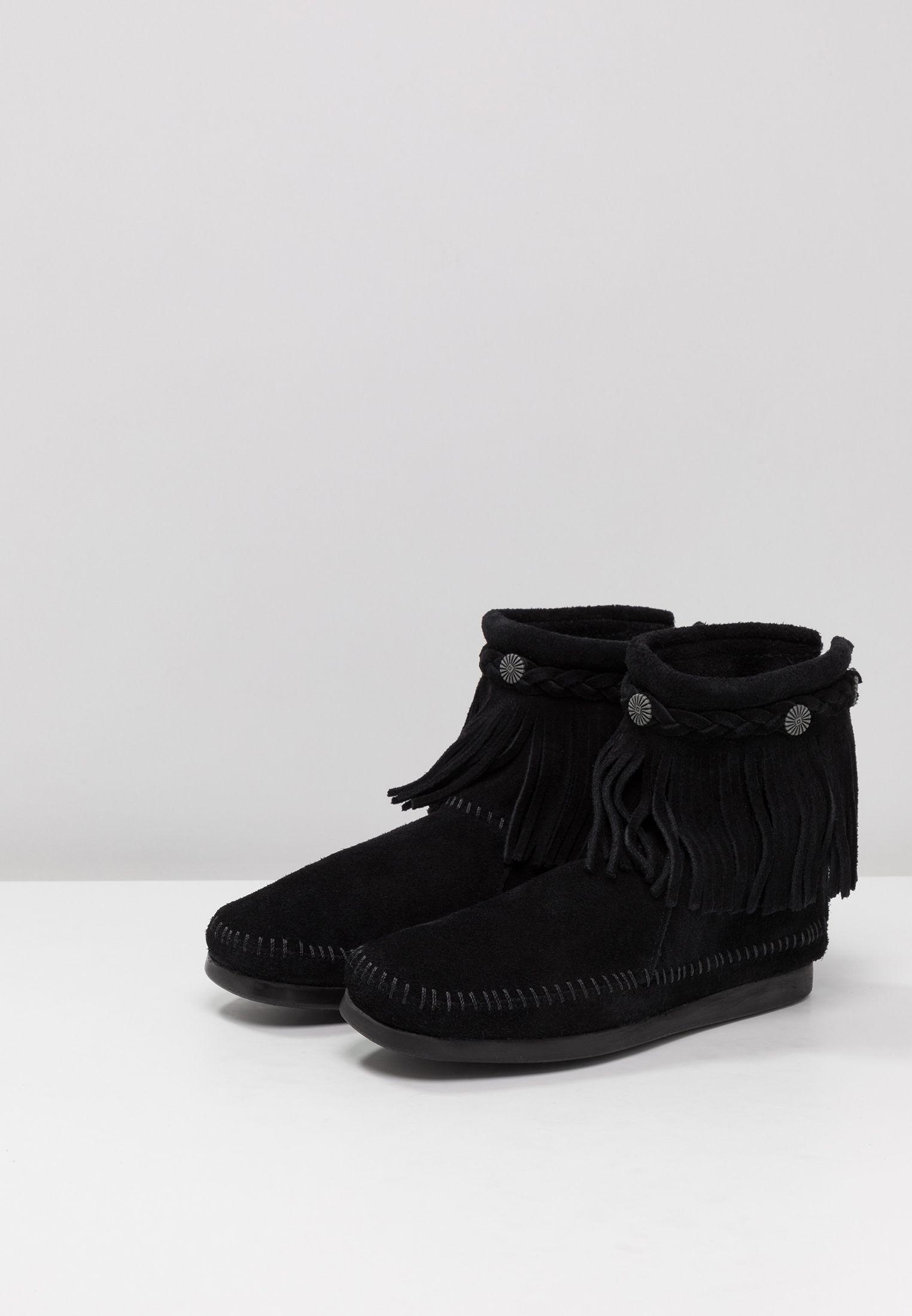 d72d6a9616a50 Minnetonka HI TOP BACK ZIP BOOT - Classic ankle boots - black - Zalando.co