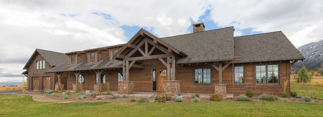 Majestic Mountain Traditional House Traditional House Shiplap Siding Barn Siding