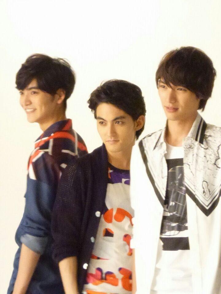 Sota Fukushi. MEN ON STYLE. [Member]from left: Ryosuke Yamamoto, Tasuku Nagase, Sota Fukushi