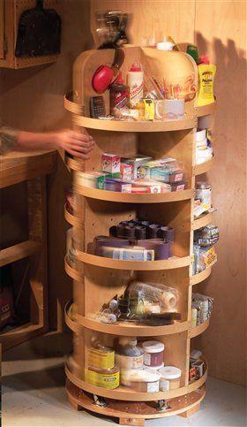 Estou pensando nisso para o canto dos armários, facilita demais a vida... :) Small Shop Solutions - Woodworking Projects - American Woodworker
