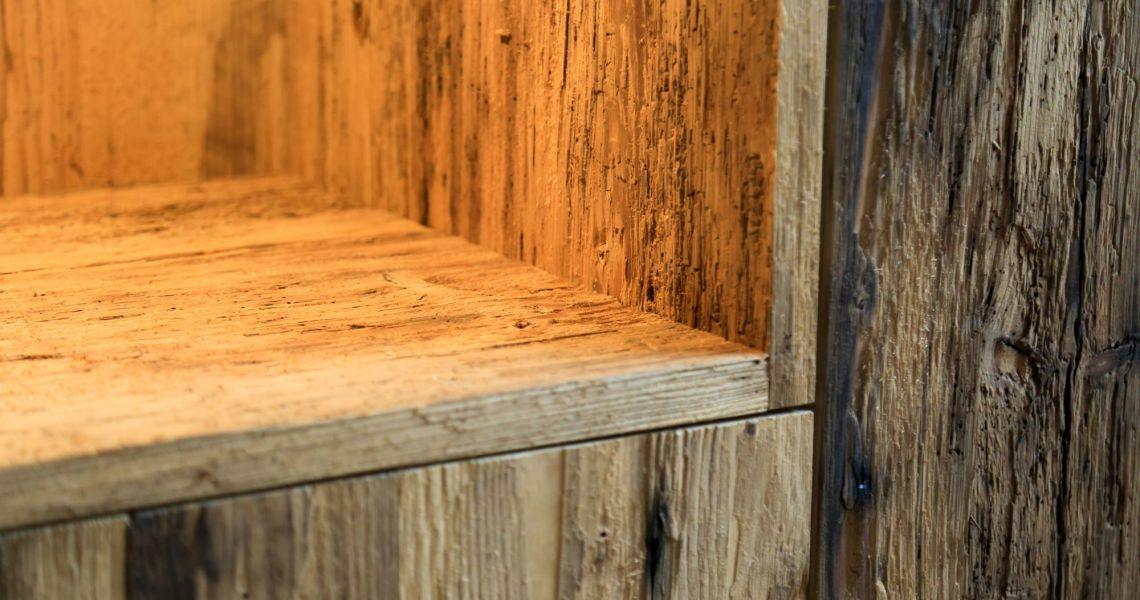 Wandschrank rustikal