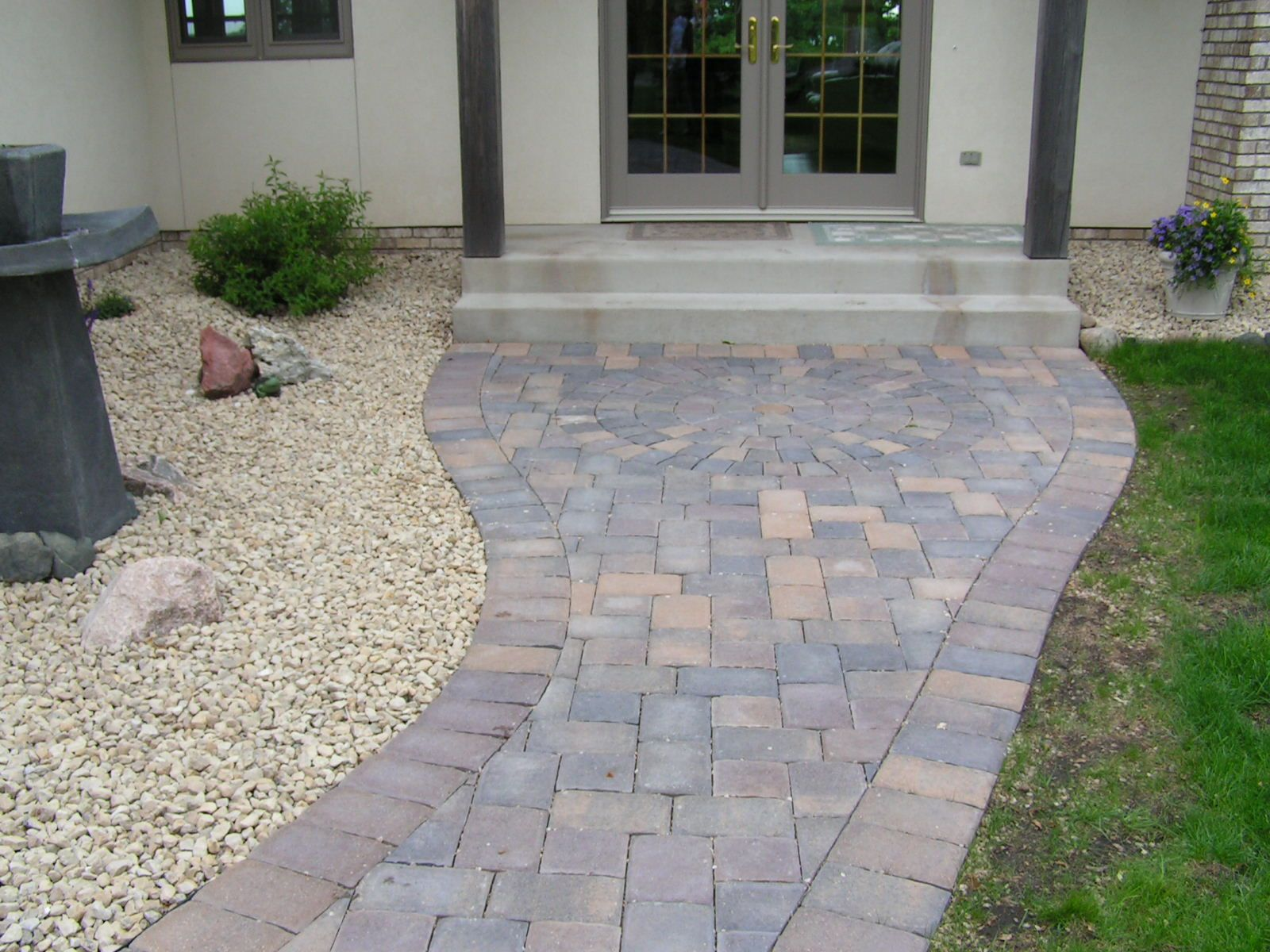 Paver ideas exterior designs of alexandria paver walks driveways for the home - Sidewalk pavers ideas ...