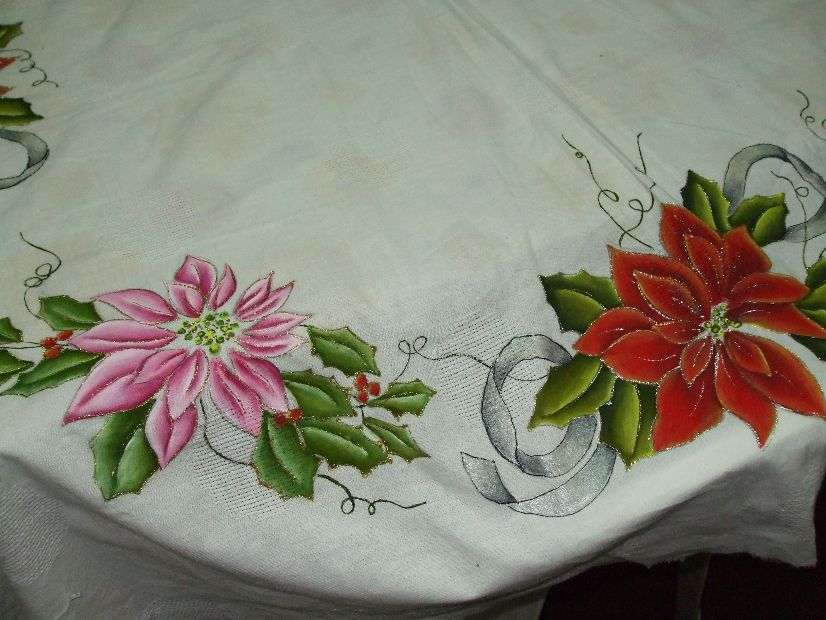 Mantel pintado manosalaobratv pintura pintura en - Motivos navidenos para pintar en tela ...