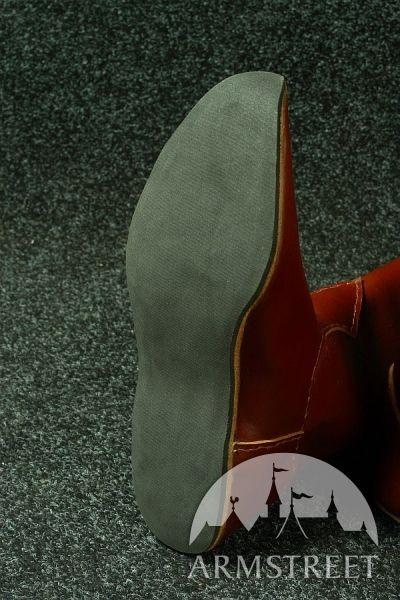 Stivali medievali classici con fregi | Stivali, Scarpe fai