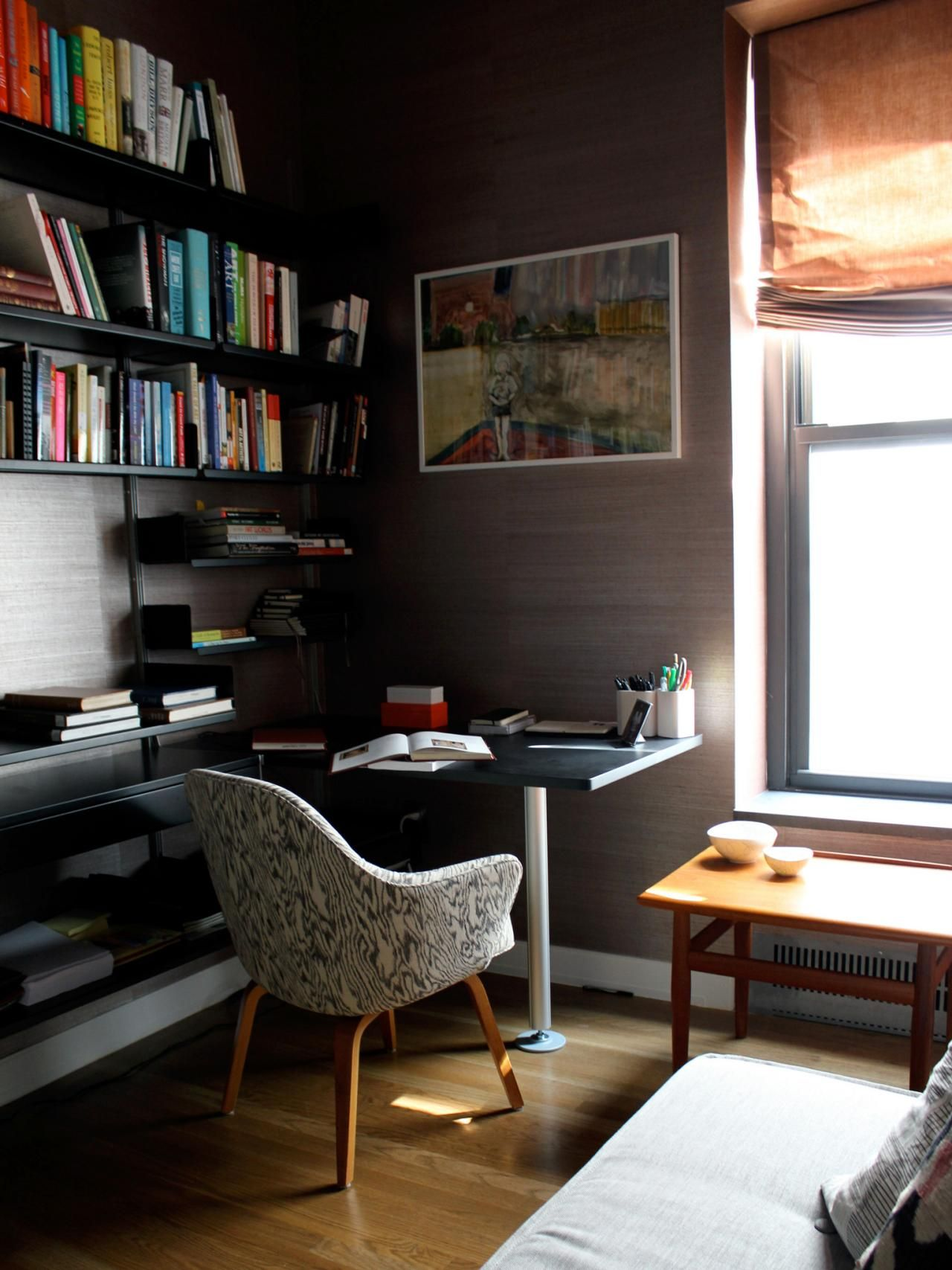Small Home Library Design: Small Space Decorating Don'ts