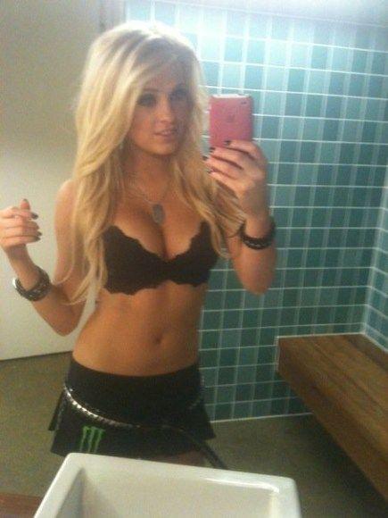 hot-teen-blonde-free-livesexstream