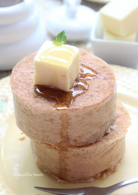 Honey Bee Sweets: Thick and Fluffy Kinako Pancakes