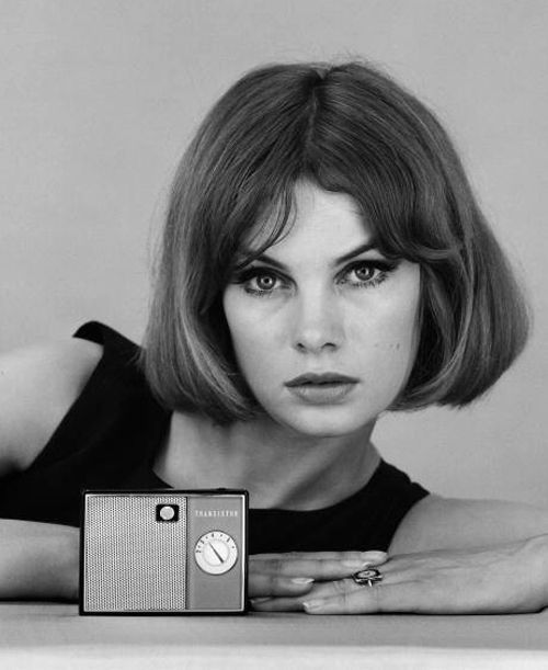 The Swinging Sixties Has Moved Vintage Hairstyles Jean Shrimpton Short Hair Style Photos