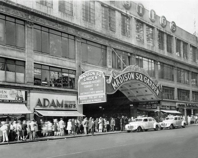 Vintage Nyc Photos The New York Rangers At Madison Square Garden Vintage Photos Of The New York Rang New York Rangers Madison Square Garden Hockey Pictures