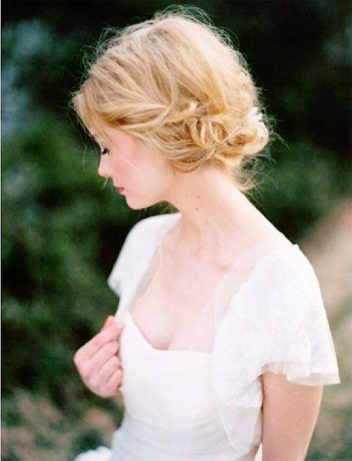 #short hair bride... Budget wedding ideas for brides, grooms, parents & planners ... https://itunes.apple.com/us/app/the-gold-wedding-planner/id498112599?ls=1=8 … plus how to organise an entire wedding ♥ The Gold Wedding Planner iPhone App ♥