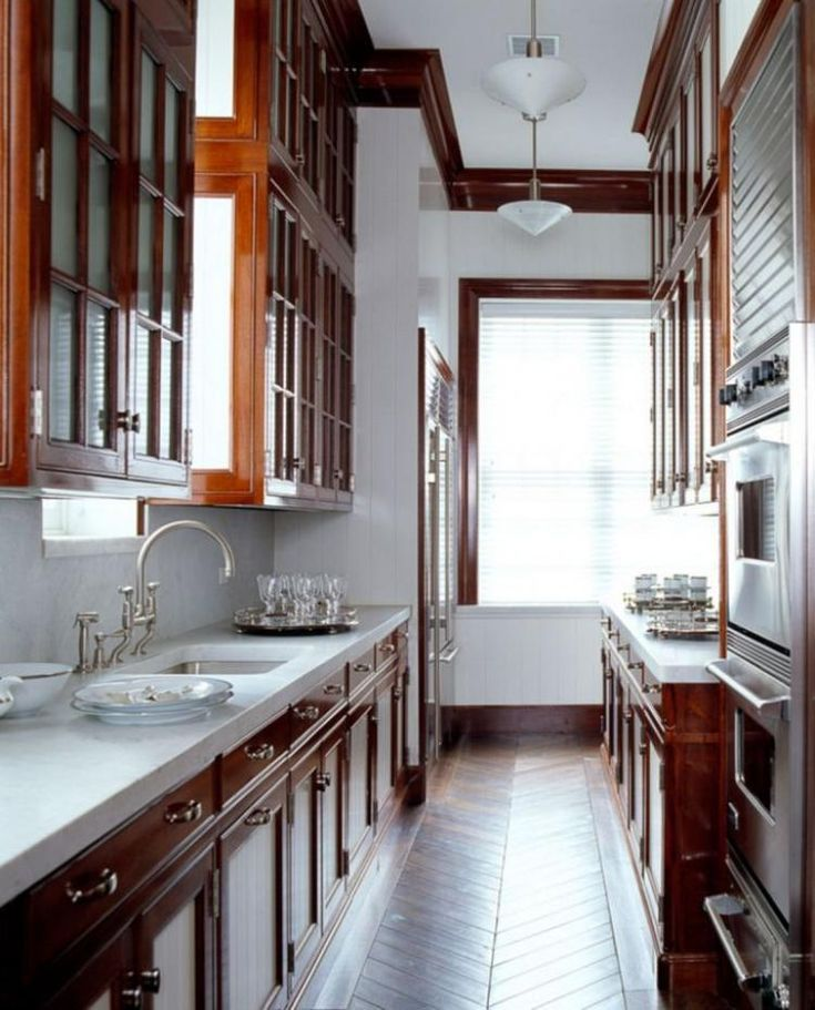 Galley Kitchen Remodel Ideas (Small Galley Kitchen Design, Makeovers, and Plans with Pictures) #beforeafter #layout #small #interiordesign #countertops #floorplans #window #openshelving #diningrooms #butcherblocks #stove #apartmenttherapy #breakfastbars #farmhousesinks #decor #whitegalleykitchens