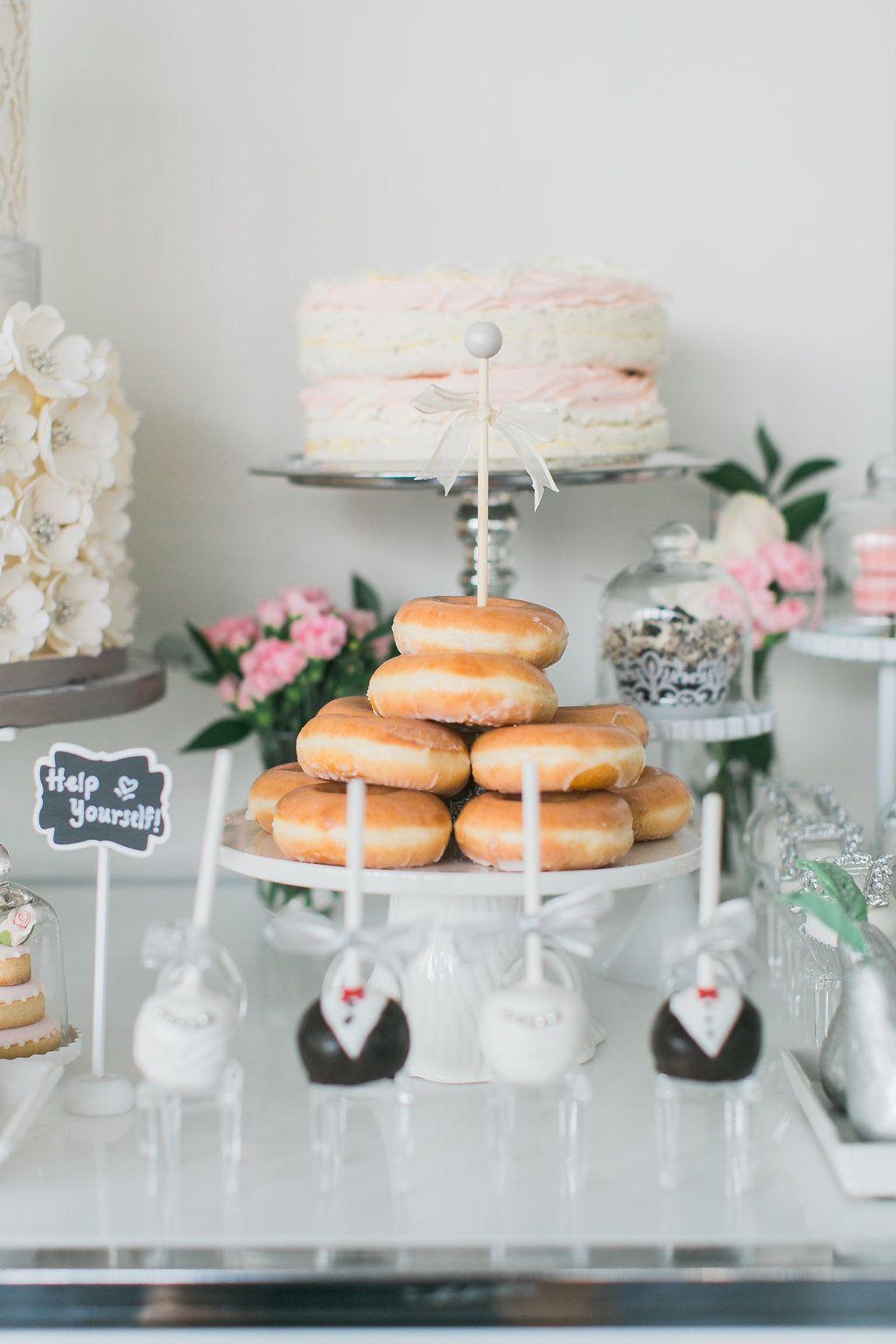 A Modern, Elegant Wedding with Breathtaking Toronto ...