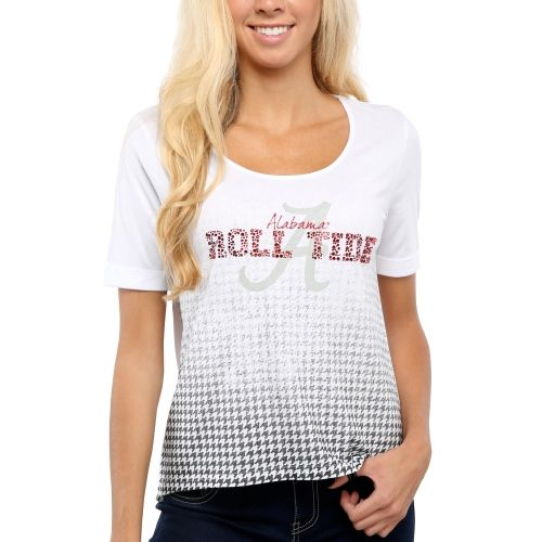 365-Day No Hassle Returns! Celebrate your Alabama Crimson Tide with a bit of razzmatazz in this Jewel Top II! Dazzling rhinestone team graphics sit atop a printed Alabama Crimson Tide logo for the ultimate display of team pride. Plus  tagless collar and loose fit will keep you comfortable as you cheer for the Alabama Crimson Tide!