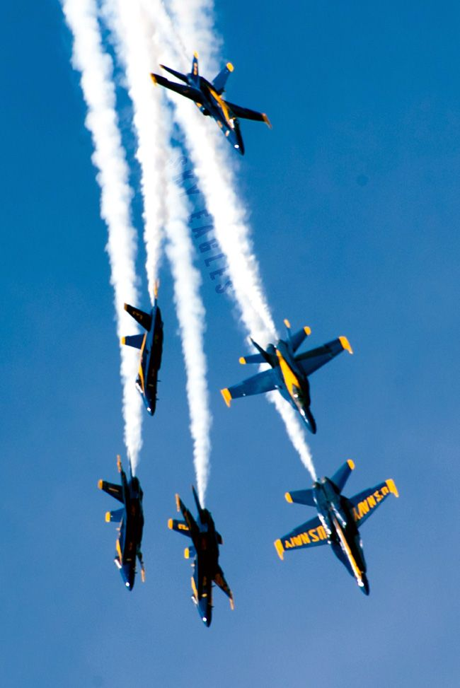 The Navy S Flight Demonstration Squadron The Blue Angels Perform During The 2019 San Francisco Fleet Wee Blue Angels Air Show Us Navy Blue Angels Blue Angels