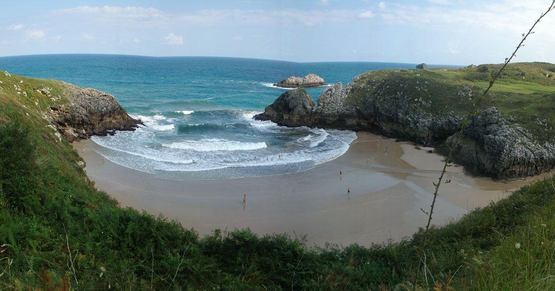 Playa De Poo En Llanes Playas De Asturias Playa De Barro Playa
