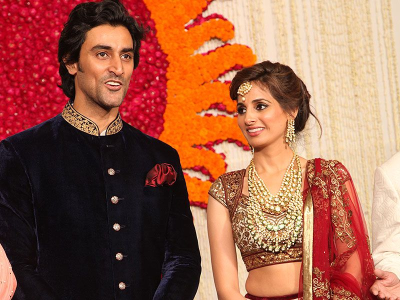 Style Cues From The Naina Bachchan Wedding Engagement Pictures Bollywood Wedding