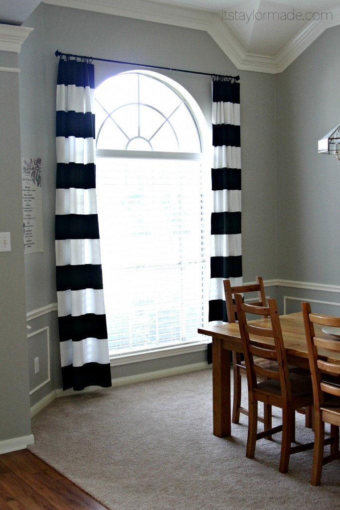 DIY Black and White Curtains in 2020 (With images)   White ...