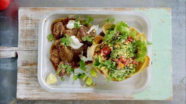 Leichte Sommerküche Jamie Oliver : Schweinefilet karibisch minestrone jamie oliver sixx gäste
