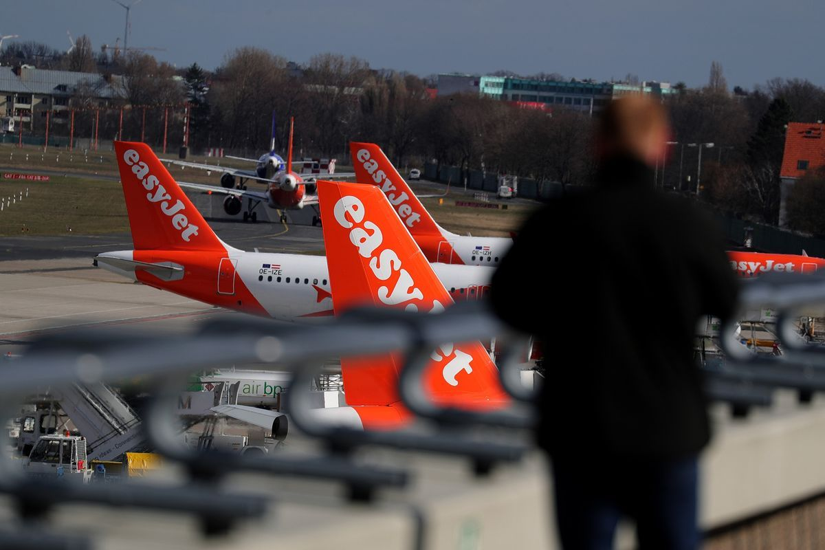 EasyJet Issues 'Cautious' Outlook With Demand Softened by