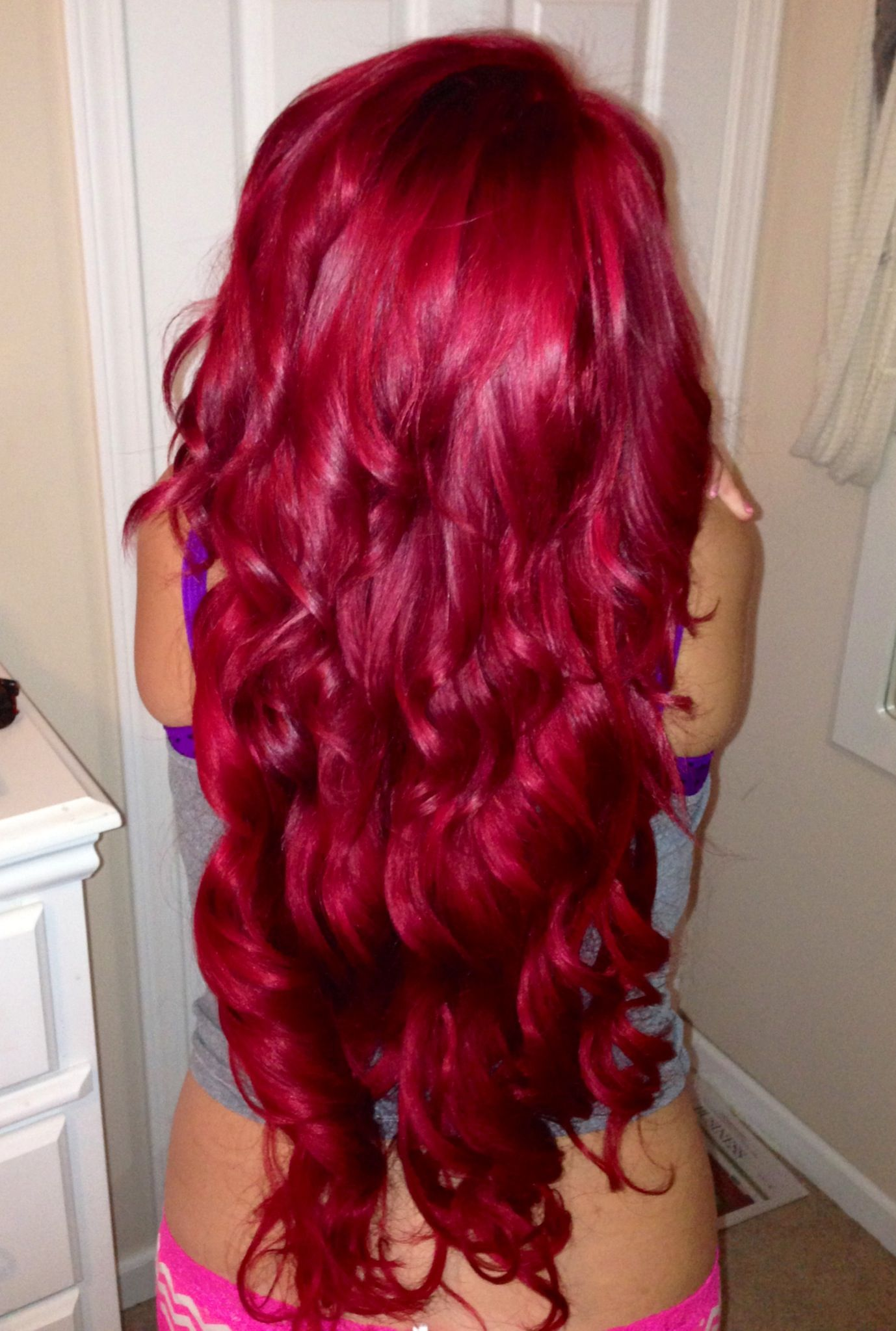 Perfect red hair with loreal hi color magenta.