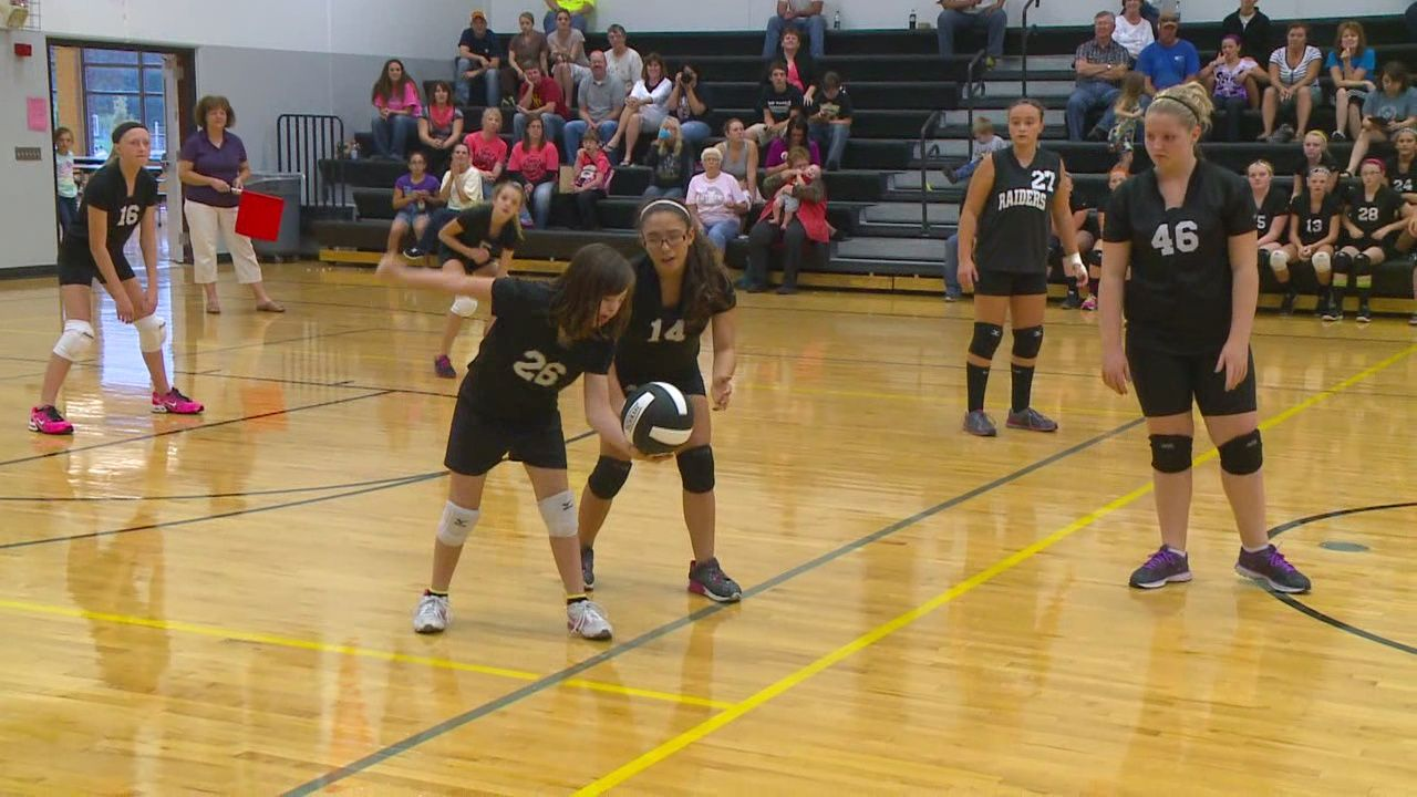Iowa Middle School Volleyball Team Welcomes Special Player Volleyball Team Volleyball Players