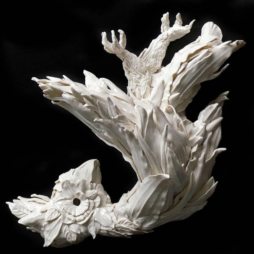 Marja Kennis #porcelain #ceramicsculpture #ceramics #ceramicart #marjakennis #lostbirds #bird #contemporaryart #onebirdaday #texture #fossil #art #materiality #inspiredbynature #natureinspired  #botanicalart #botanicalceramics #contemporaryceramics #keramiek #porselein #instaceramics #decorative #franzisengels #wallpiece #wallart #kaketoe #fallen #clay #audreyblackmanporcelain
